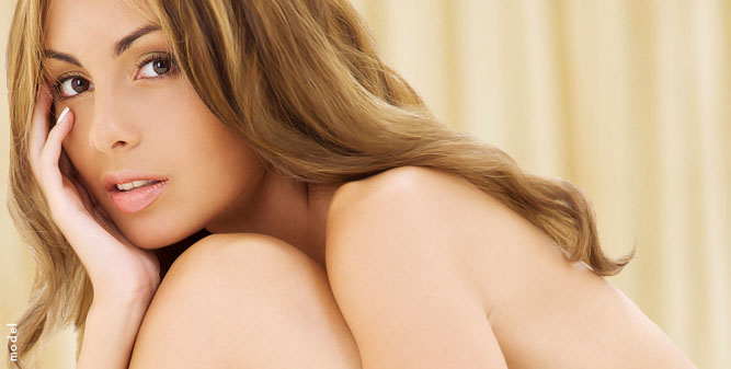 model-hand-hair-shoulder